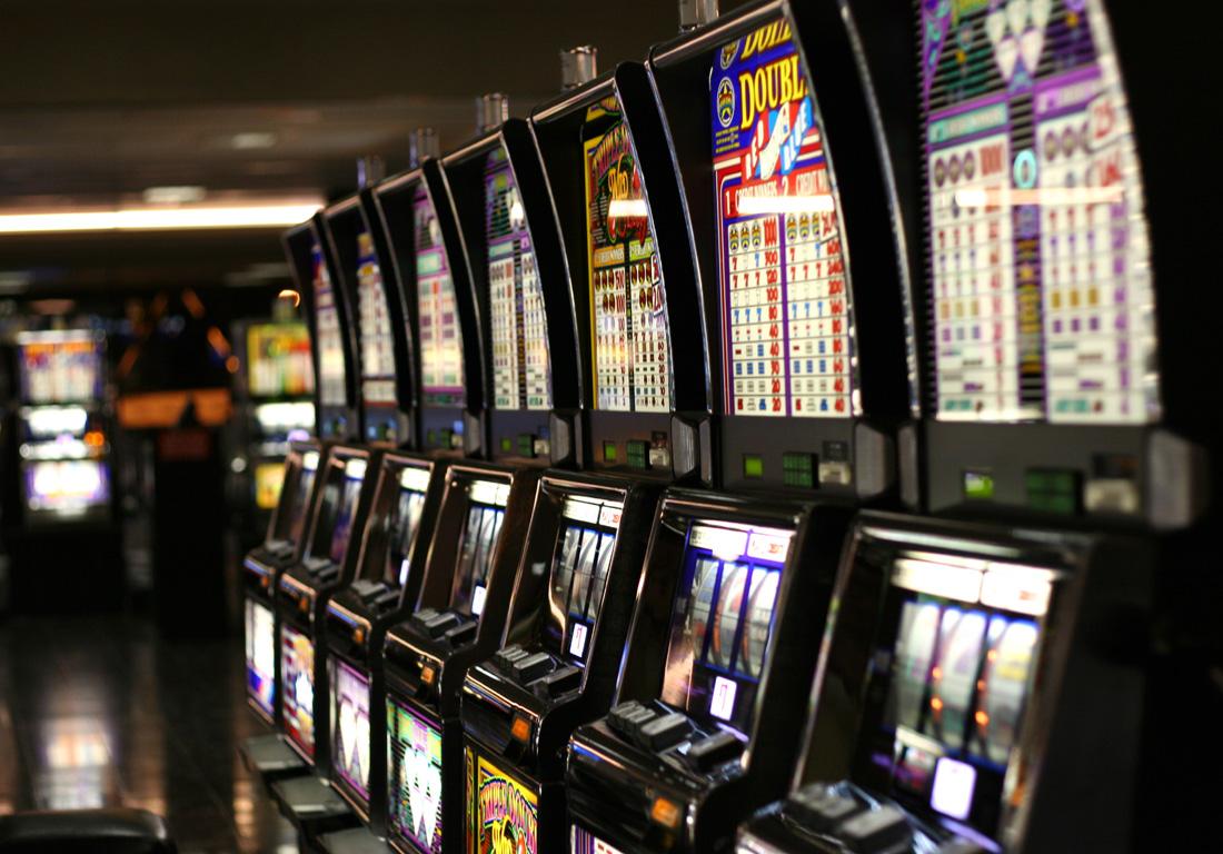 Slot machine - Wikipedia